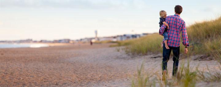Dad_son_beach